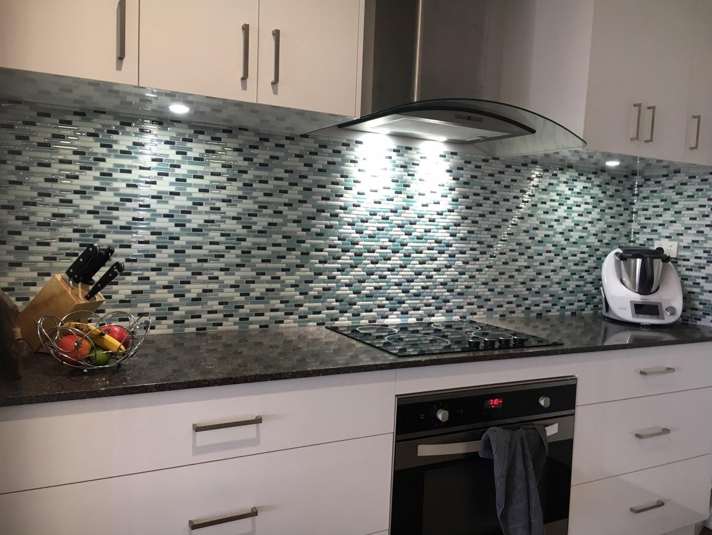 - Como Mare, 5 Premium Anti Mold Peel And Stick Wall Tile Backsplash
